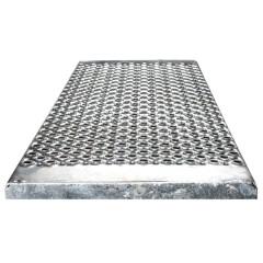 Euroline Stufenbelag Stahl-Lochblech für 600mm Stufenbreite