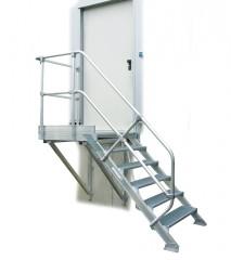 Günzburger Treppe mit Plattform 45° inkl. einen Handlauf, 600mm Stufenbreite, 13 Stufen