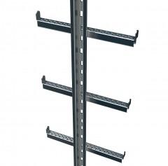 Zarges Einholmleiter mit integrierter Steigschutzschiene